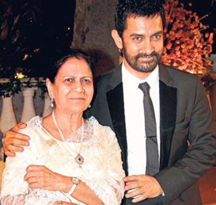 أمير خان ووالدته