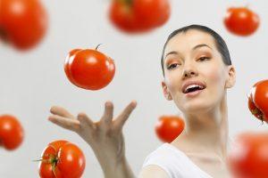 خلطات طبيعية من الطماطم لعلاج مشاكل الشعر