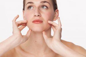 طرق طبيعية ومنزلية لتسمين الوجه والخدود
