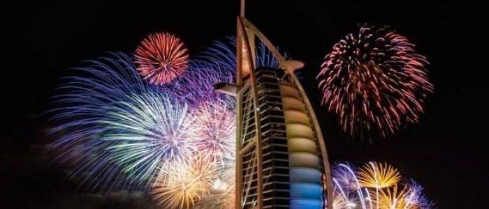صور احتفالات رأس السنة الميلادية والكريسماس في برج خليفة بدبي 2019