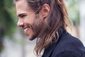 أفضل الطرق والخلطات الطبيعية لتطويل شعر الرجال