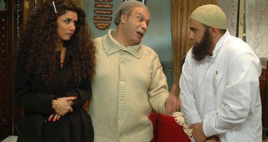 شاهد صورة زوجة وابن الفنان الراحل خالد صالح فى اول ظهور لهم بعد وفاتة فى حفل تكريمة مع الأعلامية بوسى شلبى