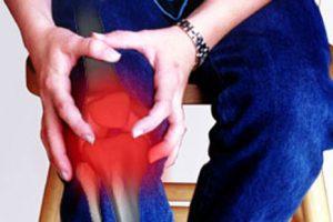 تعرف على خشونة الركبة وأسباب حدوثها وطرق علاجها بالأعشاب الطبيعية