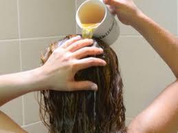 خلطة لتنعيم الشعر الجاف وتقويته وتكثيفه وزيادة لمعانه
