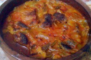أكلات العيد.. طريقة عمل طاجن البامية باللحم الضاني اللذيذ