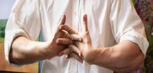 طرقعة الأصابع