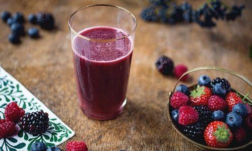 أهم فوائد عصير التوت في شهر رمضان