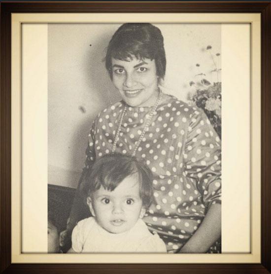 عمرو دياب وأمه