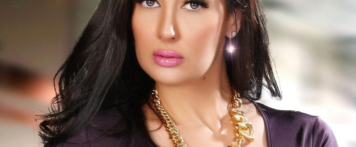 شاهد صور لغادة عبد الرازق نشرتها عبر صفحتها على الفيس بوك بإطلالة شابة عشرنية صغيرة لن تصدق شكلها