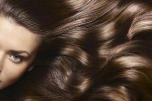 أفضل الوصفات المنزلية التي تساعد على كثافة الشعر