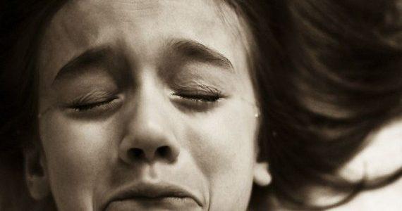 مجلس الشعب يقر قانونا بعقوبة 3 سنوات سجن لمن يقوم بعمليات ختان الإناث