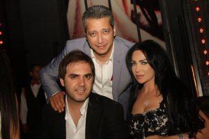 شاهد صور تعرض لاول مره لابن وزوجة الفنان الكبير وائل جسار اثارت انتباة متابعيه واثنوا على جمال زوجته