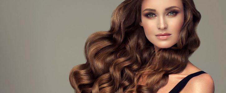 تعرف على 4 وصفات طبيعية لتطويل الشعر