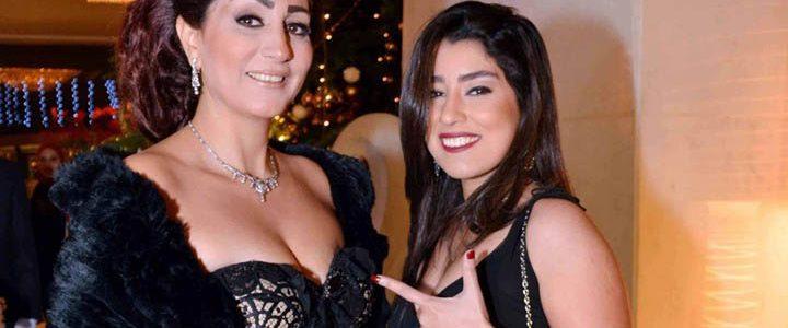 شاهد صور تنشر لأول مرة للفنانة وفاء عامر وهى على حمام السباحة تستعرض قوامها المتناسق وتثير جدل كبير على فيس بوك