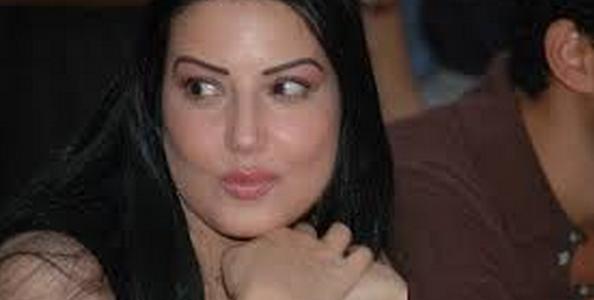 الفنانة سمية الخشاب تصدم جمورها ومحبيها بالظهور ببادى شفاف اثار السخط على مواقع التواصل الاجتماعى