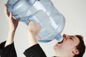 فوائد واضرار شرب الماء حتى تتجنب المشاكل الصحية