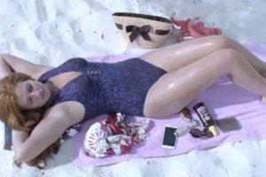 الفنانة هنا شيحة بفستان اسود قصير بمهرجان الاقصر تثير غضب متابعيها على مواقع التواصل