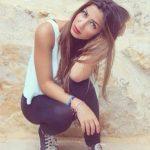 شاهد ابنة الفنانة نوال الزغبى بهوت شورت جينز قصير ونحافة ملحوظة تثير استياء محبيها ومتابعيها على صفحتها