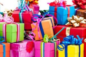 أفكار جديدة تناسب هدايا أعياد الميلاد للرجال والنساء جميلة وغير مكلفة