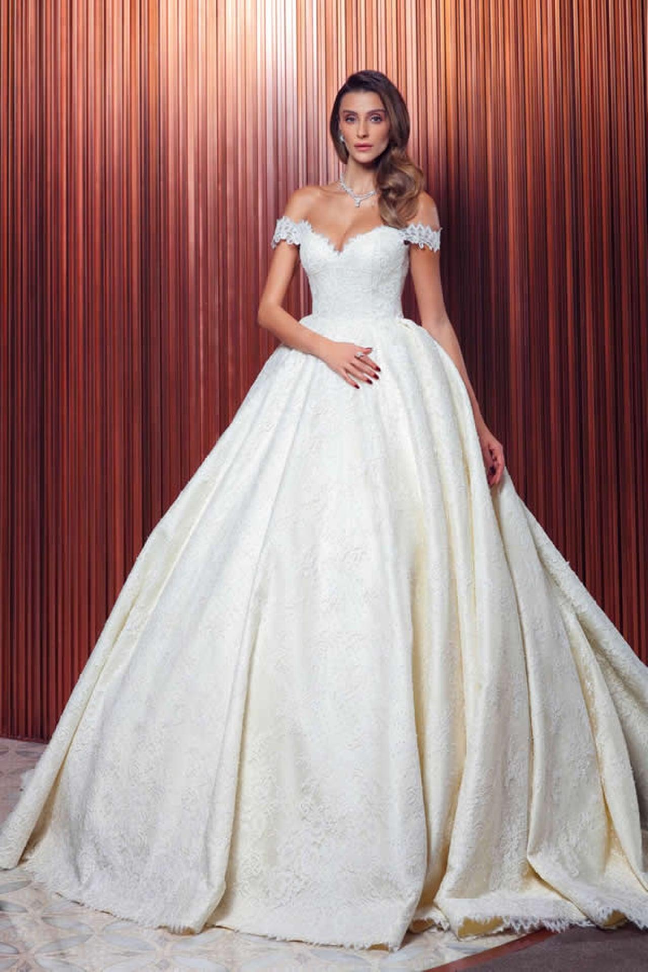 b7a477bf5 أحدث موديلات فستان الزفاف التركى أزياء فخمة لأناقة العروس الجميلة