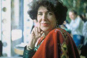 احتفال جوجل اليوم بالجزائرية آسيا جبار أول كاتبة عربية تحصل على جائزة السلام الألمانية