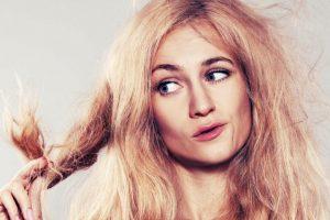 علاج الشعر الجاف طبيعيا بعدد من الخلطات والوصفات المنزلية بدون كيماويات