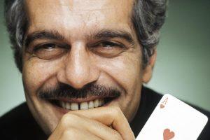 جوجل يبرز صورة عمر الشريف على صفحته الرئيسية اليوم للاحتفال بالذكرى ال 86 على ميلاده