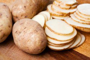 فوائد البطاطس العديدة للصحة والبشرة و وصفات من البطاطس لحل جميع مشاكل البشرة
