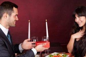 هدايا عيد الزواج : أفكار متنوعة لمساعدة الزوج والزوجة فى إختيار هدايا أعياد الزواج المناسبة