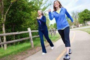 أهمية المشي وفوائده الصحية لجسم الإنسان
