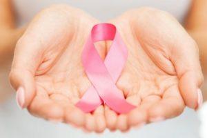 كيفية معرفة الاصابة بسرطان الثدى أعراض سرطان الثدى المبكرة