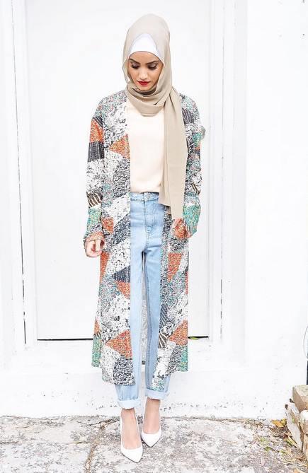 1fe0d5c46 مجموعة من أجمل أزياء ملابس الجامعات للمحجبات فى موضة 2017 للملابس