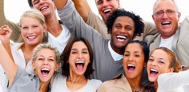 العلاج بالضحك : أبرز أساليب الطب البديل العلاج بطريقة يوغا الضحك للشفاء من مختلف الأمراض
