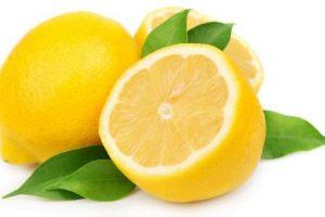 طرق عديدة من فوائد الليمون واستخداماته فى علاج عيوب البشرة وتببيض المناطق الحساسة