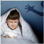 عندما يقول لكى طفلك انه يرى اشخاص بالمنزل خائف منها وهو فقط من يراها