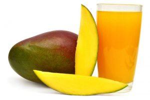 عصير المانجو بالفاكهة المميز في شهر رمضان