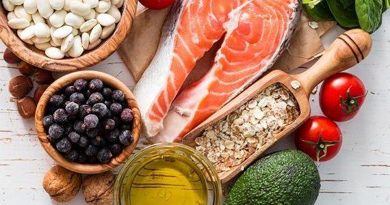 مجموعة من العناصر الغذائية المفيدة وأهم خصائصها لجسم الإنسان