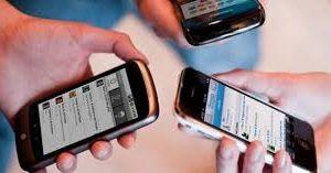 دراسات عن كثرة خطورة استخدام وسائل التواصل الاجتماعي والهواتف المحمولة