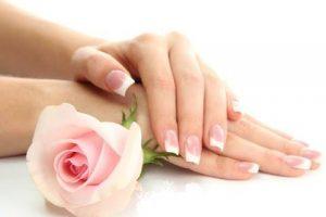 وصفات لتفتيح وتبييض اليدين