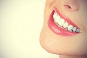 مواد طبيعية تخفف وتسكن من ألم الأسنان