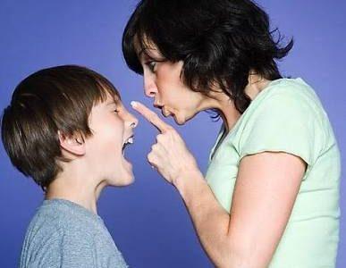 ٥ عادات تنتشر. كثيرا فى الدول العربية ويجب أن لا تفعليها أبدا أمام طفلك