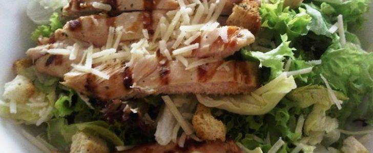 أفضل طبق سلطة دجاج مع الخضروات والجبن على طريقة الشيف علاء الشربيني