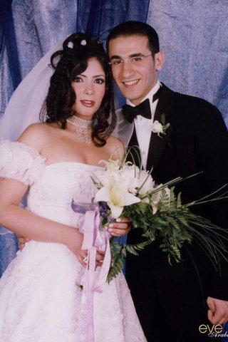 small_celebrities-wedding-dresses-Mona-Zaki