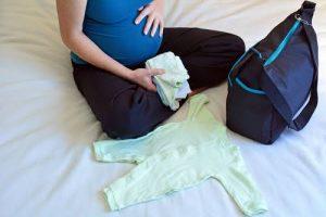 مكونات شنطة البيبى عند الولادة