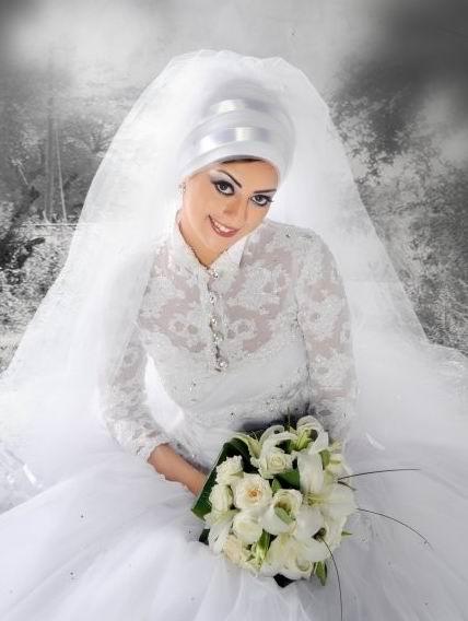 fd726a133ce6d احدث وارق فساتين زفاف 2018 للمحجبات